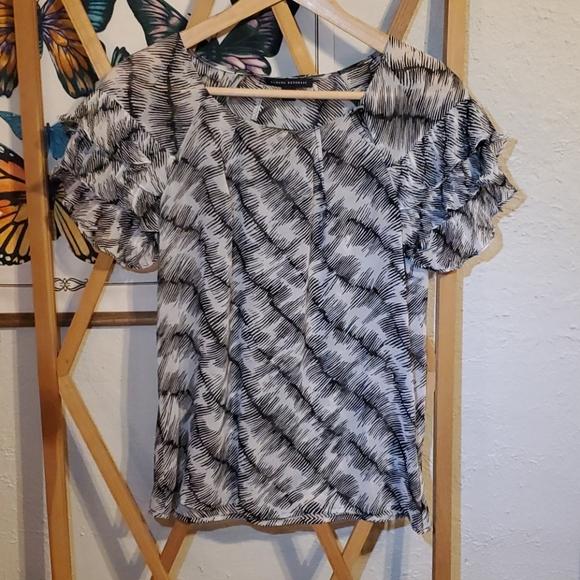 Banana Republic Tops - Silk blouse